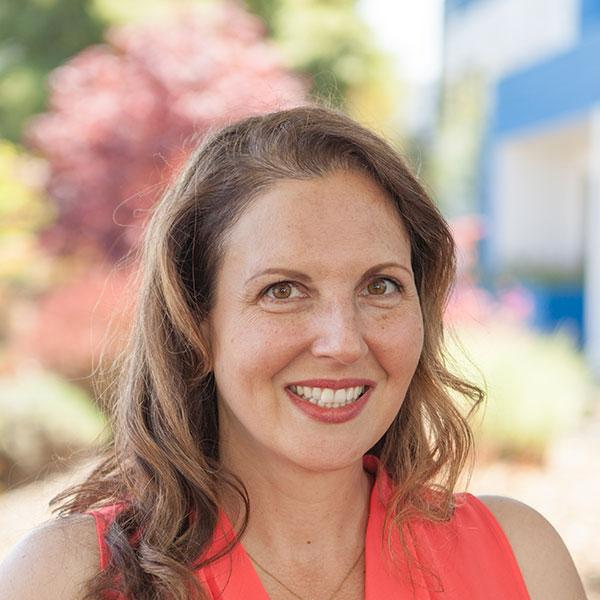 Justine De Alba, Wedding Specialist