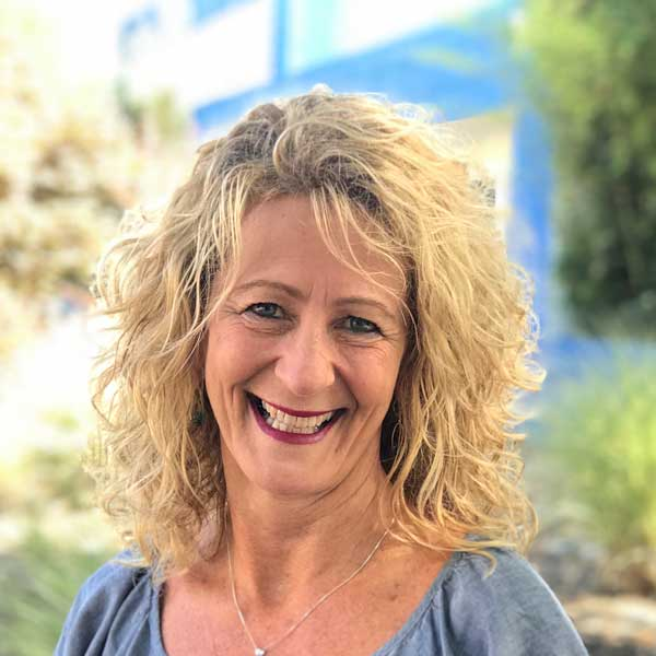 Sharon Misaka-Van Giesen, Corporate Accounts and Kosher Expert